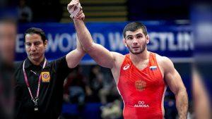 Артур Найфонов выиграл чемпионат Европы по вольной борьбе