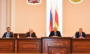 Вячеслав Битаров встретился с членами регионального отделения «Единой России»