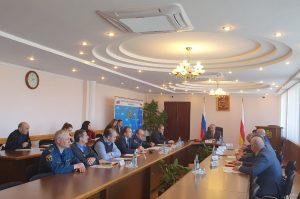 Таймураз Тускаев провел рабочую встречу в АМС Владикавказа по итогам инспекции строительства социальных объектов