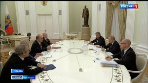 Владимир Путин обсудил с главами думских фракций поправки в Конституцию