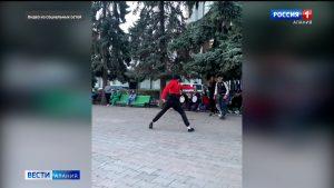 Сотрудники МВД провели беседу с молодыми людьми, устроившими накануне танцы в центре Владикавказа
