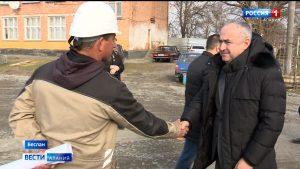 Таймураз Тускаев проинспектировал строительство социальных объектов
