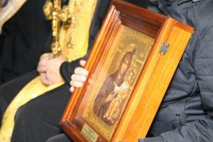 Архиеписком Леонид совершил облет Северной Осетии с Иверской иконой Богородицы и мощами святого Георгия