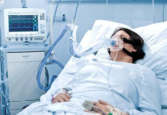 В реанимации КБСП лежат 8 человек с пневмонией, анализы двоих на COVID-19 отправлены в Москву