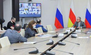 Таймураз Тускаев провел рабочее совещание с главными врачами республики