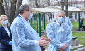Вячеслав Битаров проверил готовность РКБ к приёму граждан с подозрением на COVID-19