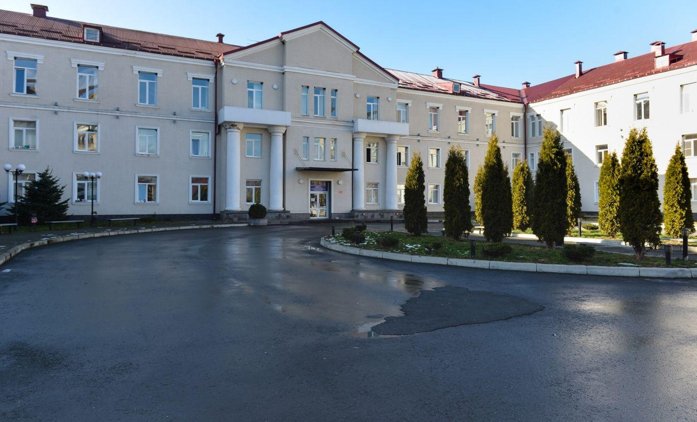 Врачам, лечащим пациентов с коронавирусом, будут платить по 300 тысяч рублей