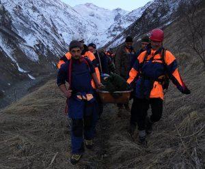 В Кармадонском ущелье спасли альпиниста