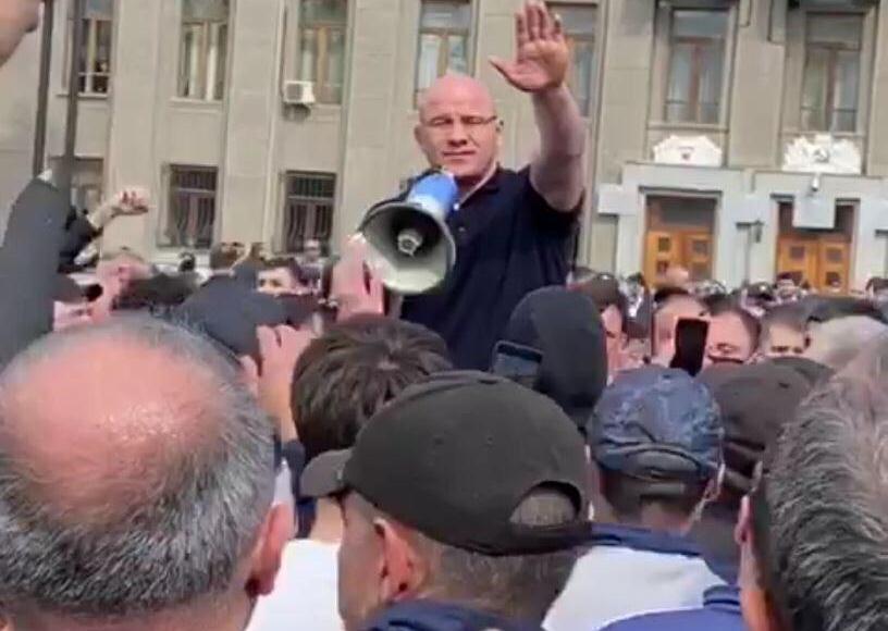 Участникам несанкционированной акции во Владикавказе предложили сформировать инициативную группу