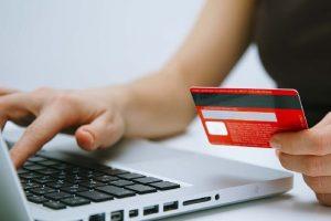 Жительница Владикавказа потеряла 225 тысяч рублей, пытаясь оформить кредит в интернете