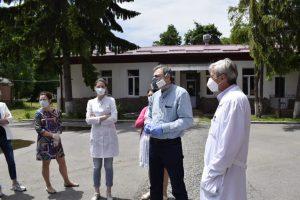 Группа медиков из Москвы приступила к работе во Владикавказе