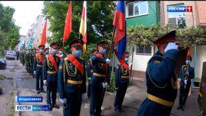 Военнослужащие ЮВО в Северной Осетии провели личные парады для ветеранов