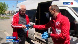 Пассажирам 22-го маршрута во Владикавказе раздают маски и перчатки