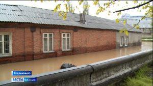 Во Владикавказе из-за обильных дождей подтопило несколько домов