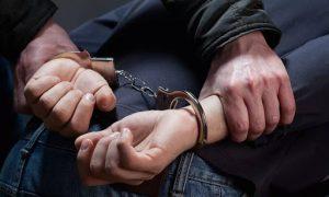Во Владикавказе оперуполномоченный полиции подозревается в незаконном обороте наркотиков