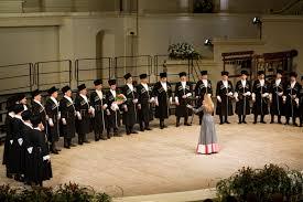 Хор Ольги Джанаевой записал исполнение гимна России для праздничного концерта на Красной площади