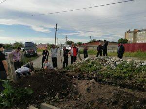 На восточной окраине Ардона при закладке фундамента были обнаружены скелеты трех человек