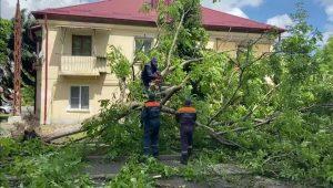 В Правобережном и Ардонском районах продолжают устранять последствия стихии