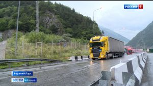 На МАПП «Верхний Ларс» увеличился поток грузовых машин
