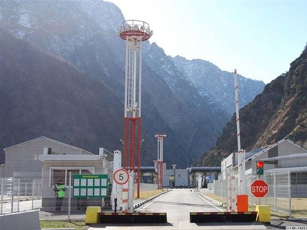 Из-за плановых работ на магистральном газопроводе Военно-Грузинская дорога была закрыта в течение 2,5 часов