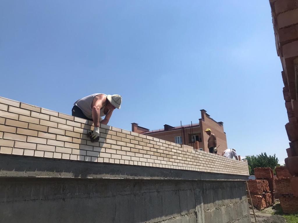 В Беслане строится дом, в котором будут приобретены квартиры для участников нацпроекта «Жилье и городская среда»