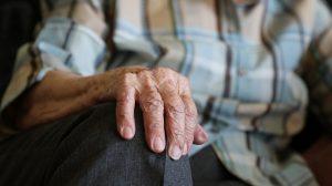 Во Владикавказе сиделка украла у инвалида накопленные 450 тысяч рублей