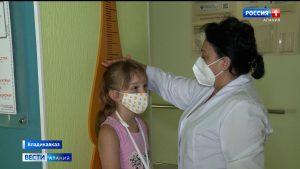 В детской поликлинике №3 детям и их родителям рассказали о том, как обезопасить себя от коронавируса в период частичного снятия ограничений