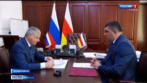 Вячеслав Битаров провел рабочую встречу с главой Дигорского района Аланом Езеевым