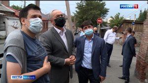 Таймураз Тускаев инспектирует ход строительных работ на социальных объектах