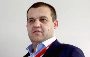 Кремлев заявил, что бывший чемпион мира Гассиев должен провести два боя до конца года
