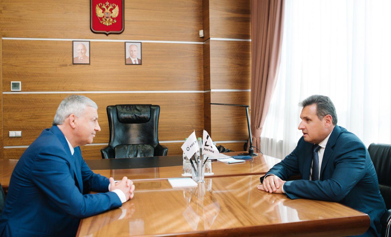 Вячеслав Битаров встретился с директором радиоэлектронного комплекса госкорпорации Ростех Сергеем Сахненко