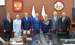 Вячеслав Битаров поздравил Солтана Каболова с 85-летним юбилеем