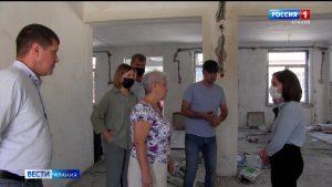 Ирина Азимова посетила строительные площадки объектов социальной сферы в Моздокском районе