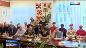 В гарнизонном Доме офицеров обсудили роль журналистов и писателей в патриотическом воспитании молодежи