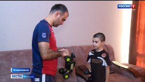 Пострадавший от случайной пули в Эльхотово мальчик возвращается к привычной жизни