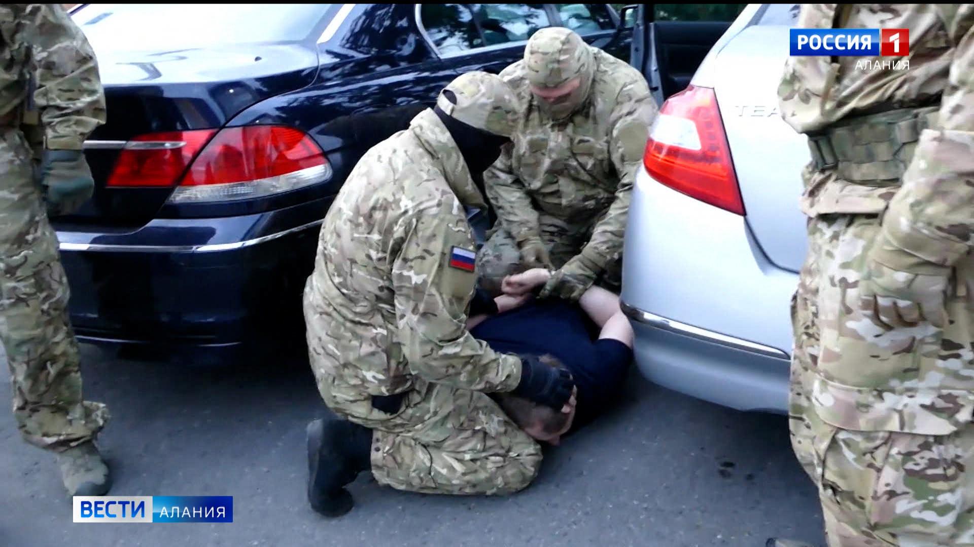 В отношении руководителя следственного отдела СКР во Владикавказе и его подчиненного возбуждено уголовное дело