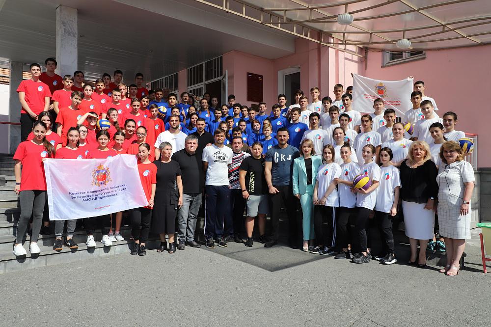 Во Владикавказской школе состоялась очередная «Зарядка с чемпионом»