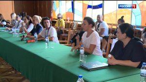 Четвертый день форума  «Вся Россия» посвящен работе пресс-секретарей