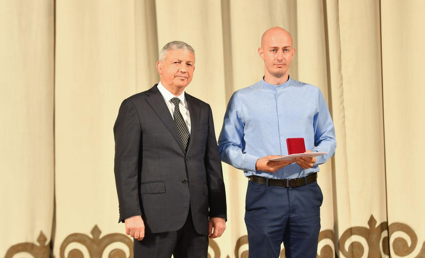Вячеслав Битаров поблагодарил волонтеров и предпринимателей, принимавших участие в борьбе с распространением COVID-19