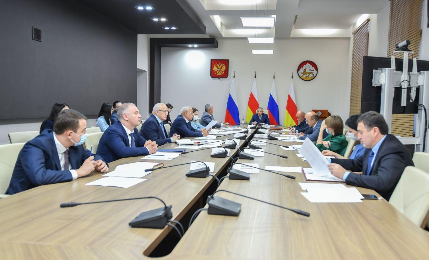 В Северной Осетии обсудили вопросы взаимодействия исполнительной власти с органами местного самоуправления