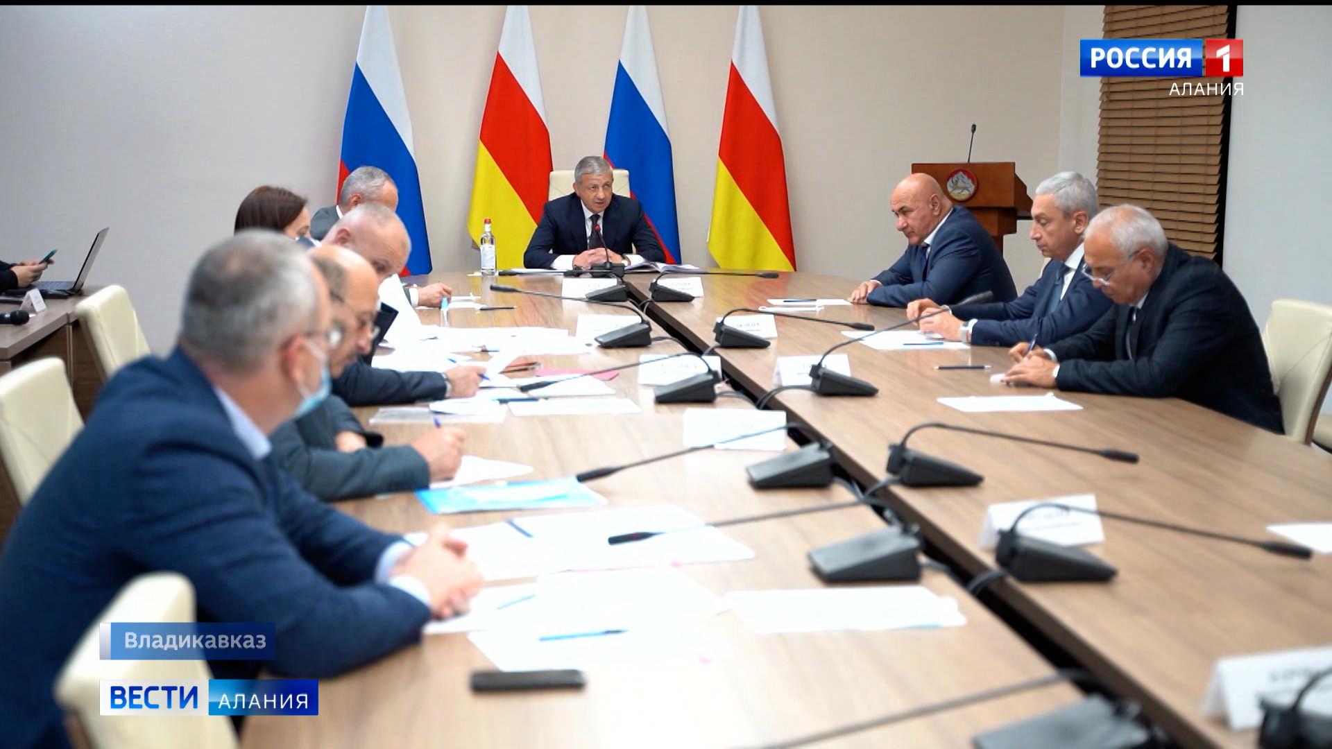 Вячеслав Битаров призвал усилить контроль за исполнением противоэпидемических мер, связанных с распространением COVID-19