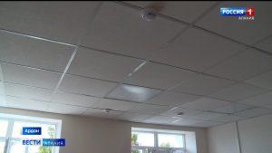 В Ардонской ЦРБ восстановили обрушившийся потолок