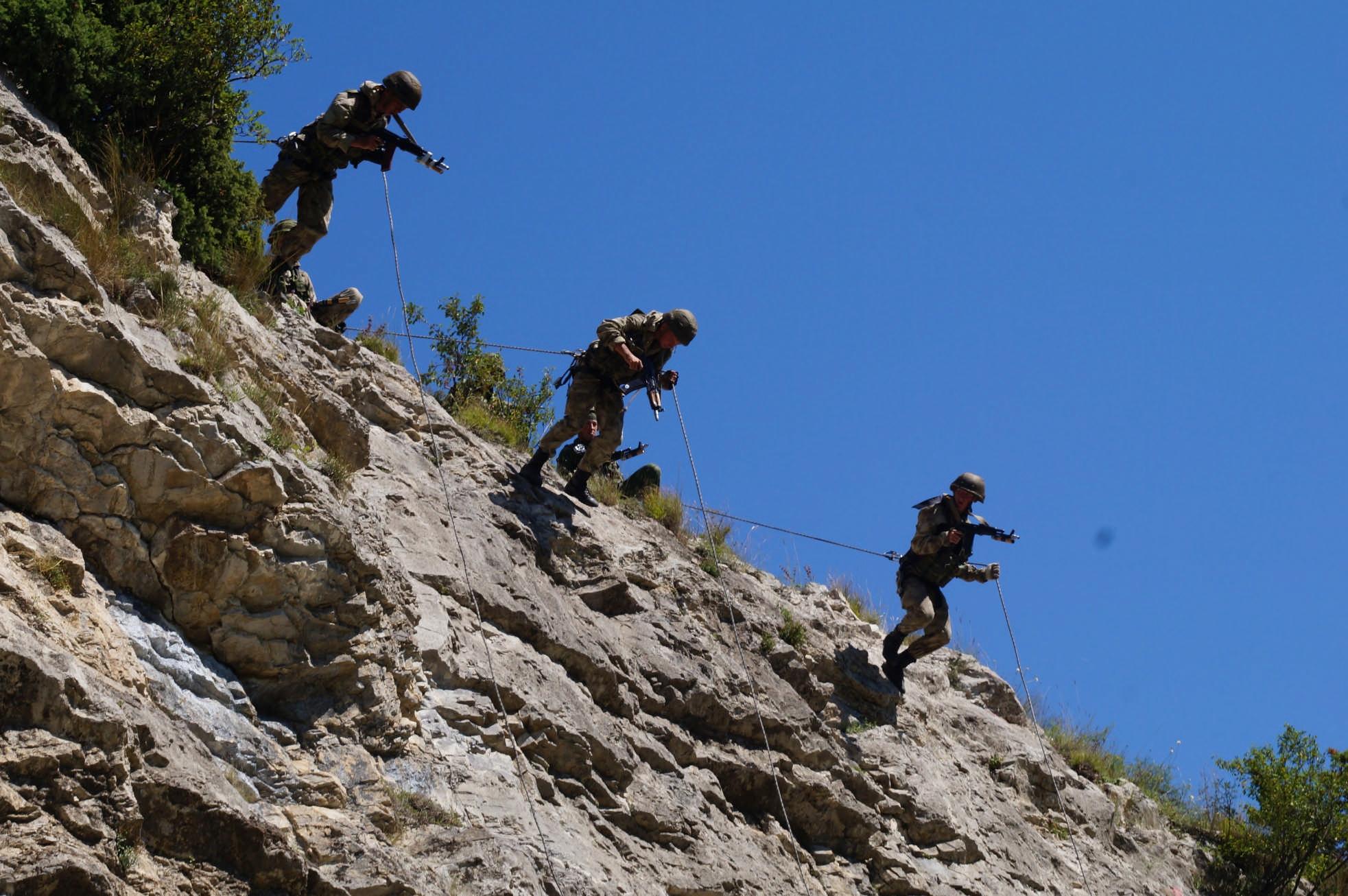 Разведчики ЮВО приступили к проведению комплексных соревнований на горном полигоне «Дарьял»
