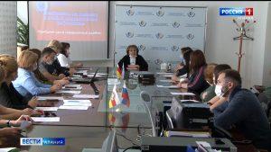 В региональном отделении ФСС обсудили вопросы взаимодействия с медицинскими организациями по предоставлению документов на выплаты медработникам