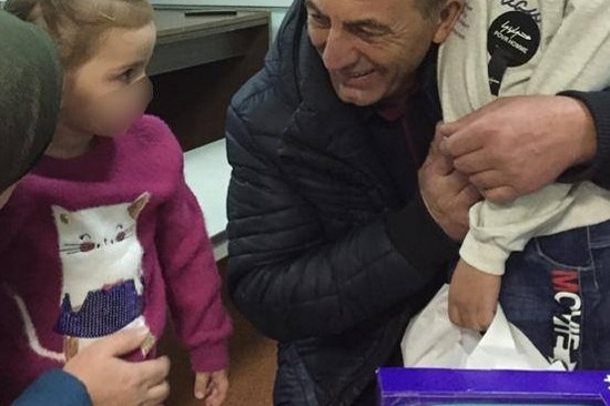 Двух возвращенных из Сирии детей передадут бабушке и дедушке в Северной Осетии