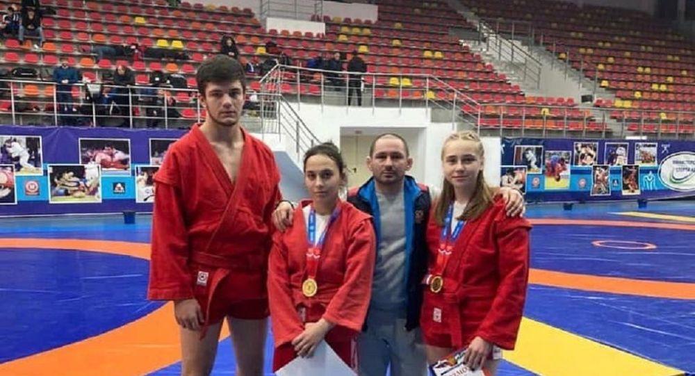 Осетинские самбисты завоевали 18 наград на первенстве СКФО