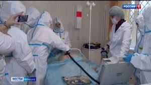Около 600 студентов медколледжа прошли подготовку для работы в «красной зоне»