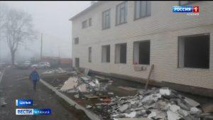 Пострадавший в результате взрыва кислородного баллона на стройке в Цалыке рабочий получил ожог 32% тела