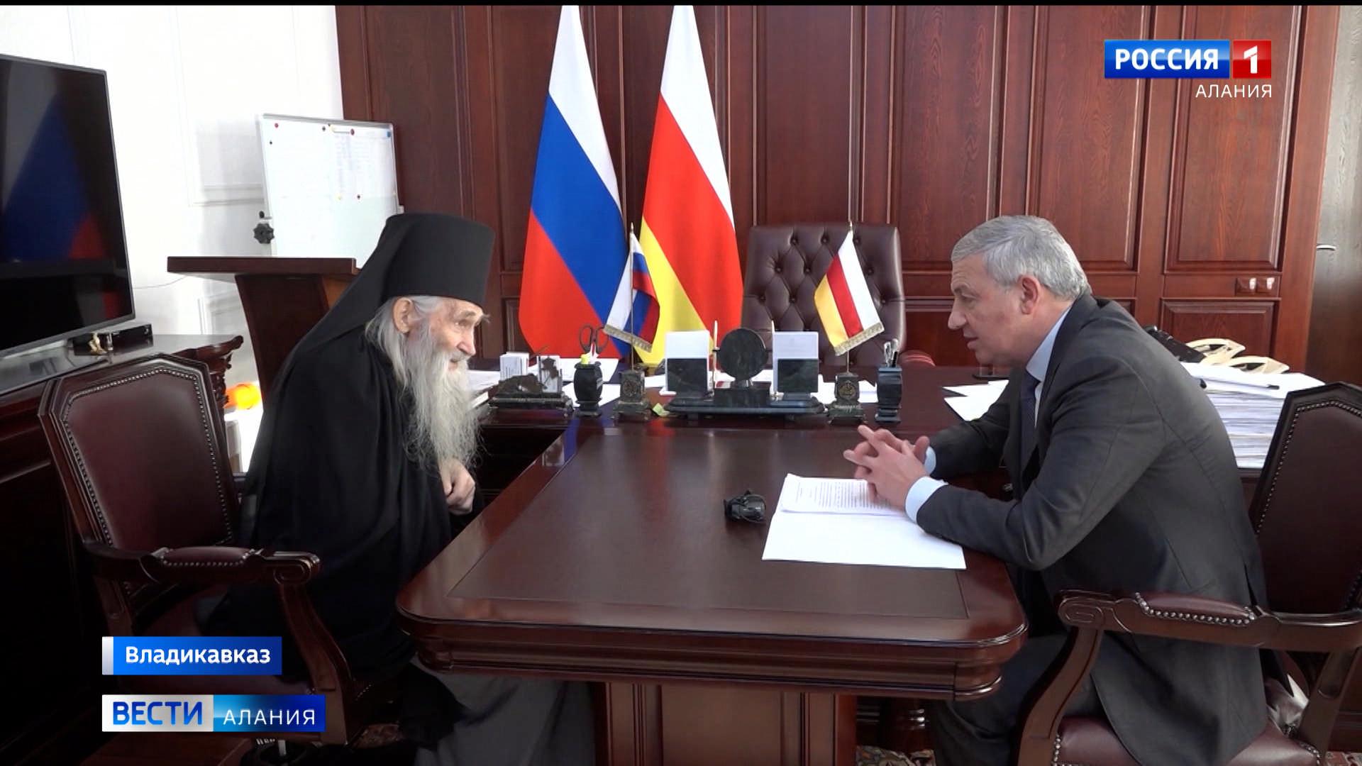 Вячеслав Битаров встретился со схиархимандритом Илием