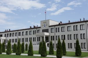 СКР завершил расследование дела о получении взяток бывшим сотрудником МВД Альбертом Козоновым и экс-сотрудником прокуратуры Сосланом Созановым